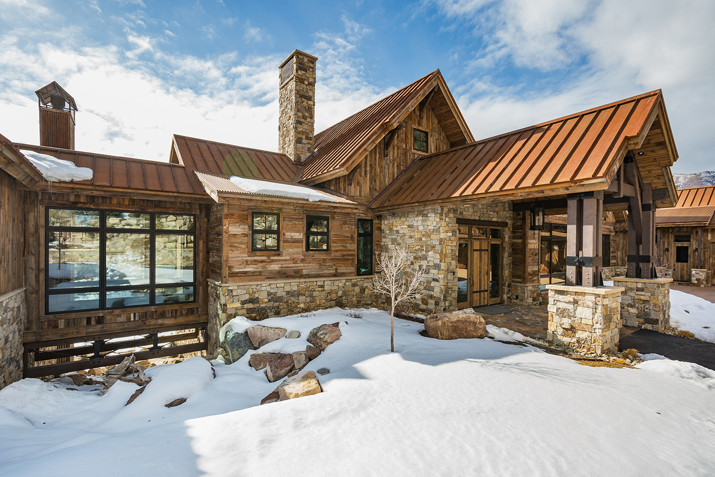 Rustic mountain timber frames for Rustic timber frame homes