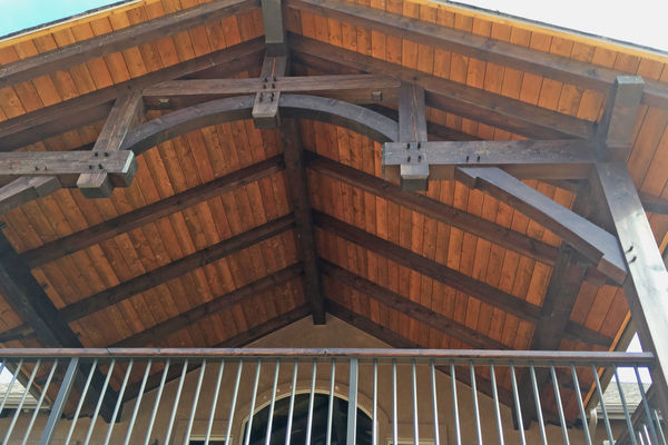 Black-Forest-Timber-Frame-Home-Colorado-Canadian-Timberframes-Deck-Truss