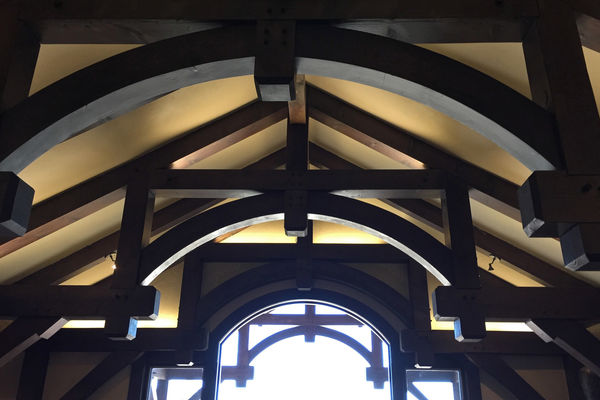 Black-Forest-Timber-Frame-Home-Colorado-Canadian-Timberframes-Great-Room-Truss