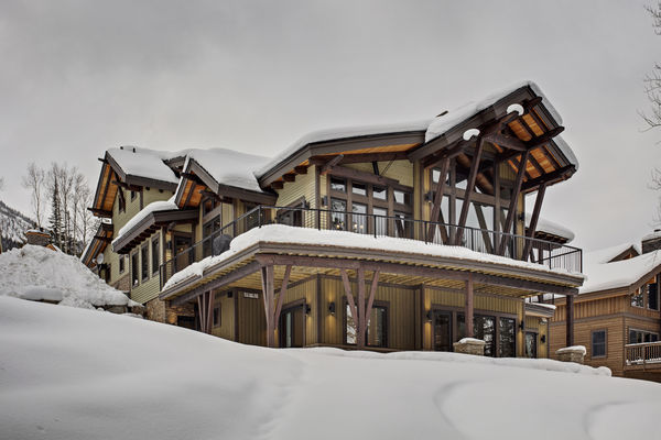 Kicking-Horse-Chalet-British-Columbia-Canadian-Timberframes-Back-Deck