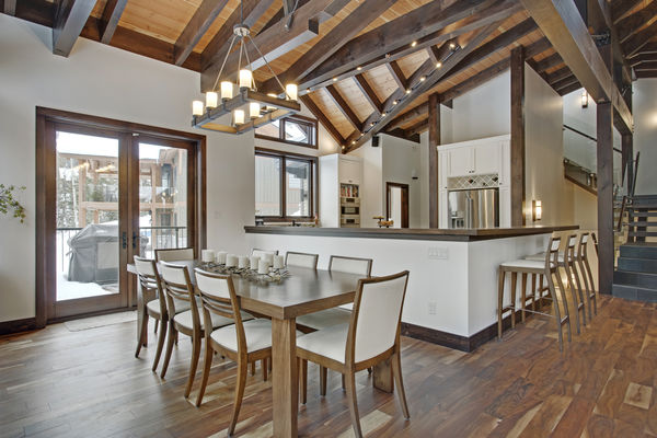 Kicking-Horse-Chalet-British-Columbia-Canadian-Timberframes-Dining-Room