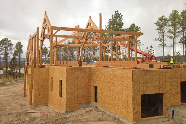 Colorado-Springs-Timber-Home-Construction-Timber-Raising