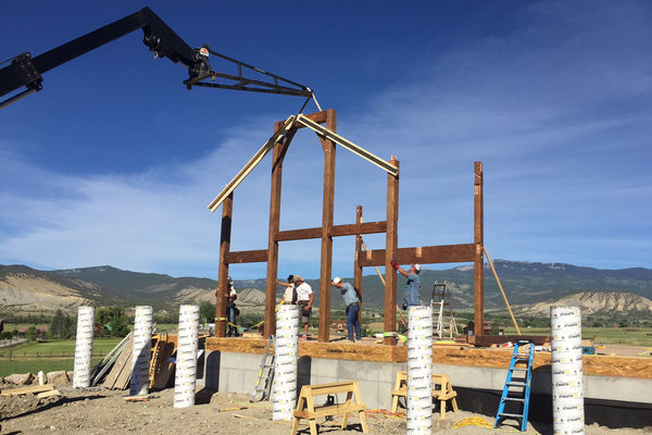 Montrose-Ranch-Colorado-Canadian-Timberframes-Construction-Raising-Timber