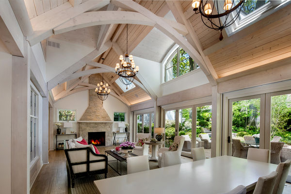Beach-Home-Toronto-Ontario-Canadian-Timberframes-great-room