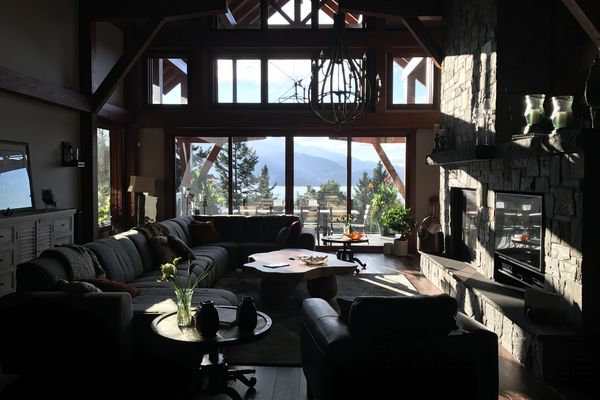 Whytecliff-Bowen-Island-British-Columbia-Great-Room-Loft
