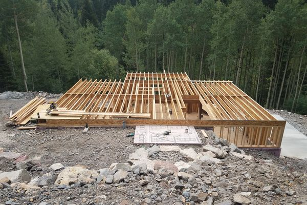 Ouray-Mountain-Home-Colorado-Construction-Canadian-Timberframes-Panels