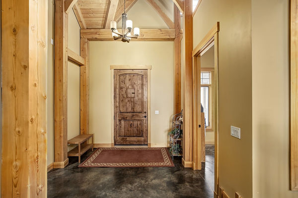 Foothills-of-Calgary-Alberta-Canadian-Timberframes-Interior-Entry