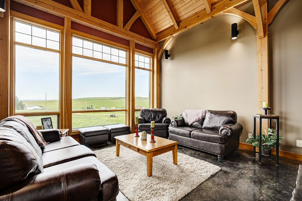 Foothills-of-Calgary-Alberta-Canadian-Timberframes-Great-Room