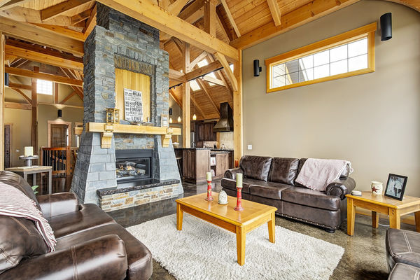 Foothills-of-Calgary-Alberta-Canadian-Timberframes-Great-Room-Fireplace