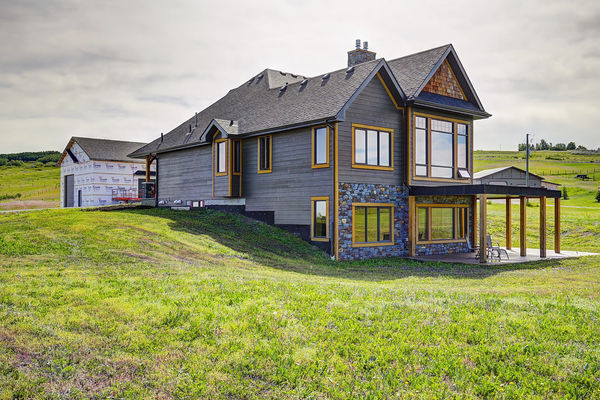 Foothills-of-Calgary-Alberta-Canadian-Timberframes-Exterior