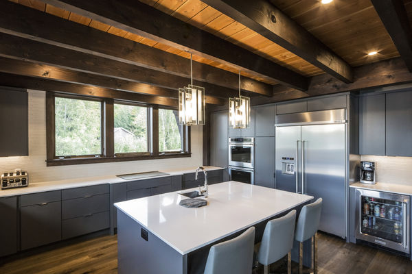Lake-of-Bays-Haven-Ontario-Canadian-Timberframes-Kitchen-Beams