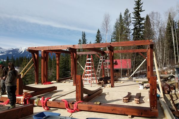 Blaeberry-Timber-Home-Construction-British-Columbia-Truss