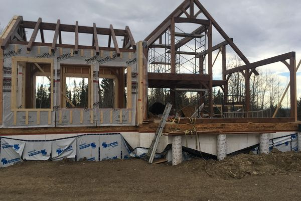 Rocky-Mountain-House-Canadian-Timberframes-Construction-Raising