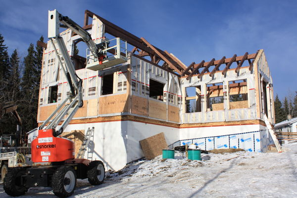 Rocky-Mountain-House-Canadian-Timberframes-Construction