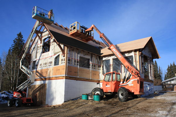 Rocky-Mountain-House-Canadian-Timberframes-Construction-Rear-Exterior