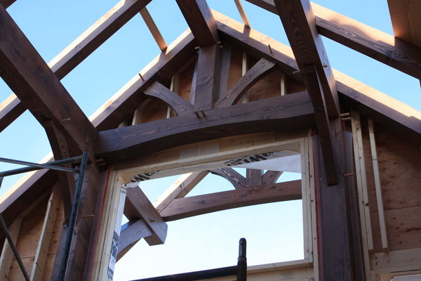 Rocky-Mountain-House-Canadian-Timberframes-Construction-Gable