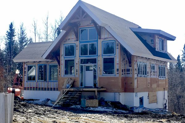 Rocky-Mountain-House-Canadian-Timberframes-Construction-Exterior