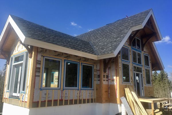 Rocky-Mountain-House-Canadian-Timberframes-Construction-Outer-Shell
