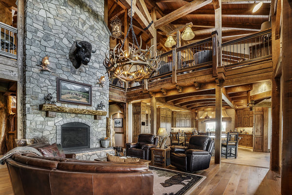 Rustic-River-Calgary-Alberta-Canadian-Timberframes-Great-Room