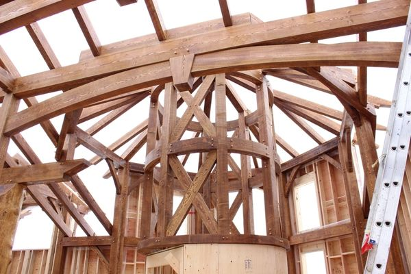 Rustic-River-Calgary-Alberta-Canadian-Timberframes-construction-timber-frame