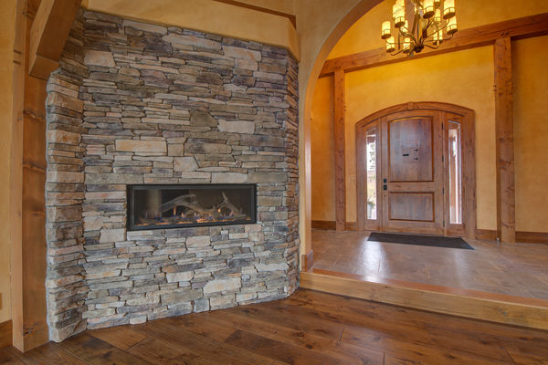 Colorado-Springs-Timber-Home-Canadian-Timberframes-Fireplace