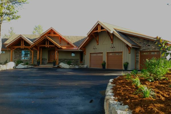 Colorado-Springs-Timber-Home-Canadian-Timberframes-Front-Exterior