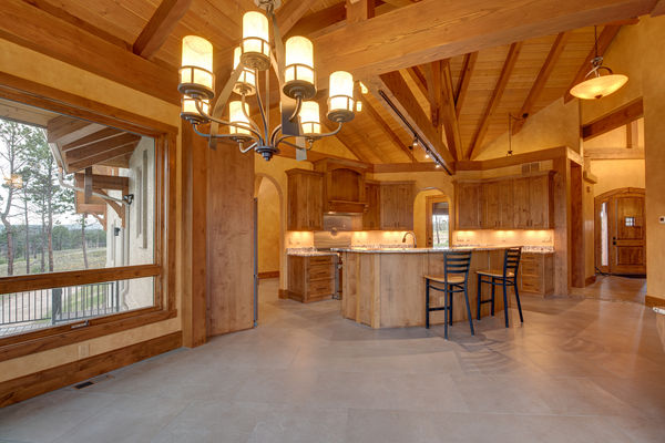 Colorado-Springs-Timber-Home-Canadian-Timberframes-Kitchen-Dining