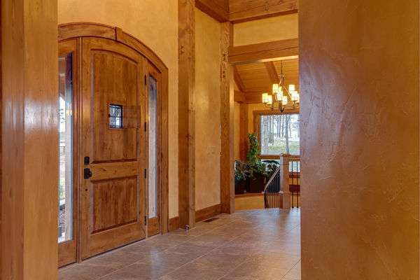 Colorado-Springs-Timber-Home-Canadian-Timberframes-Foyer