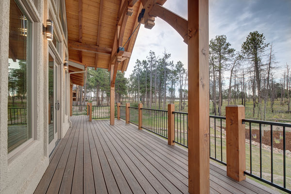 Colorado-Springs-Timber-Home-Canadian-Timberframes-Wet-Bar