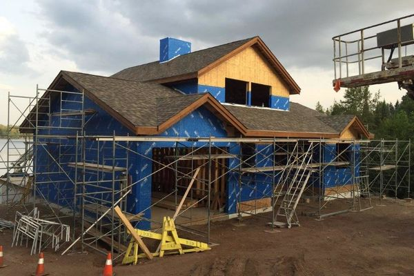 Loon-Lake-Cottage-Ontario-Canadian-Timberframes-Construction-Front-Exterior