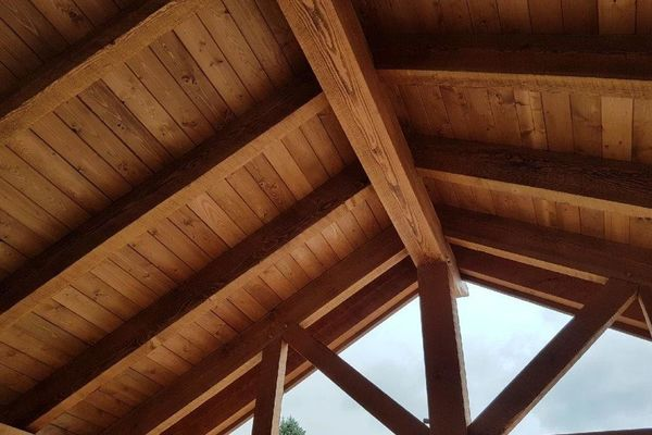 Loon-Lake-Cottage-Ontario-Canadian-Timberframes-Completed-Beams