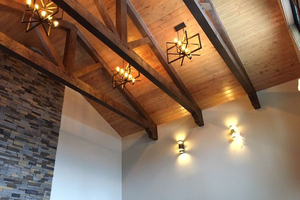Loon-Lake-Cottage-Ontario-Canadian-Timberframes-Completed-Interior-Beams