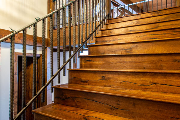Ouray-Mountain-Home-Colorado--Canadian-Timberframes-Stairs