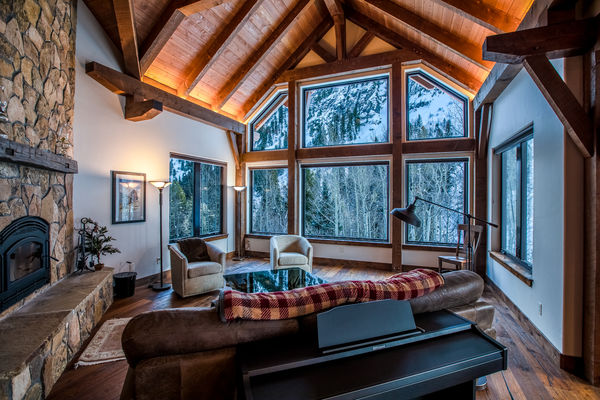 Ouray-Mountain-Home-Colorado--Canadian-Timberframes-Great-Room-Fireplace