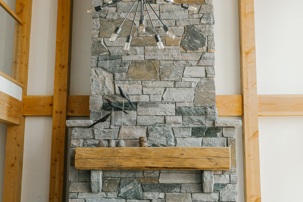 Split-Rock-Place-Sparrow-Lake-Ontario-Canadian-Timberframes-Great-Room-Fireplace