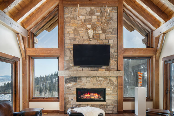 Steamboat-Springs-Colorado-Canadian-Timberframes-Great-Room