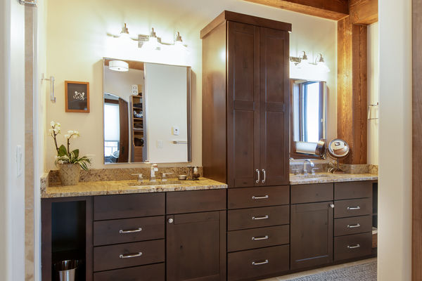 Steamboat-Springs-Colorado-Canadian-Timberframes-Master-Bathroom