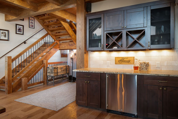 Steamboat-Springs-Colorado-Canadian-Timberframes-Wet-Bar