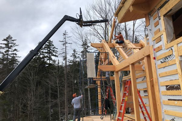 White-Mountain-Timber-Home-Canadian-Timberframes-New-Hampshire-Construction