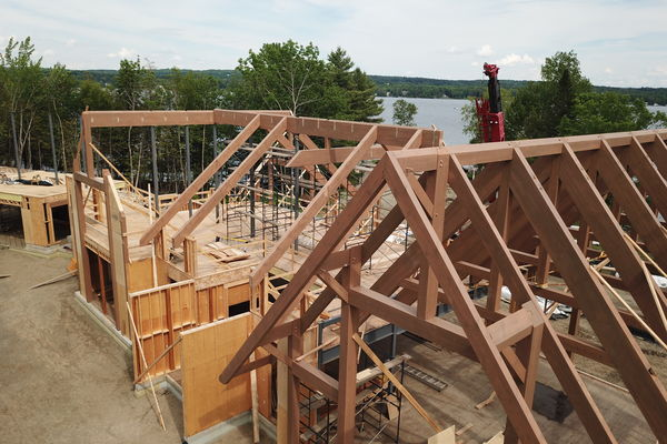 Memphremagog-Lake-House-Quebec-Canadian-Timberframes-Construction-Framing