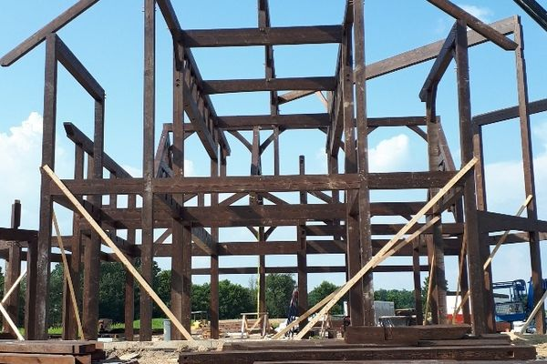 Timber-Creek-Ranch-Canadian-Timberframes-Ontario-Construction-Timber-Raising