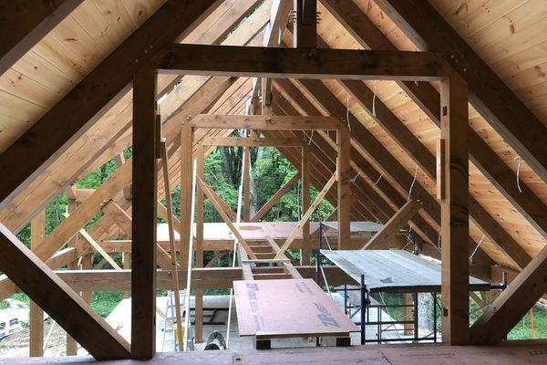 Falls-Village-Barn-Home-Connecticut-Canadian-Timberframes-Construction-Loft