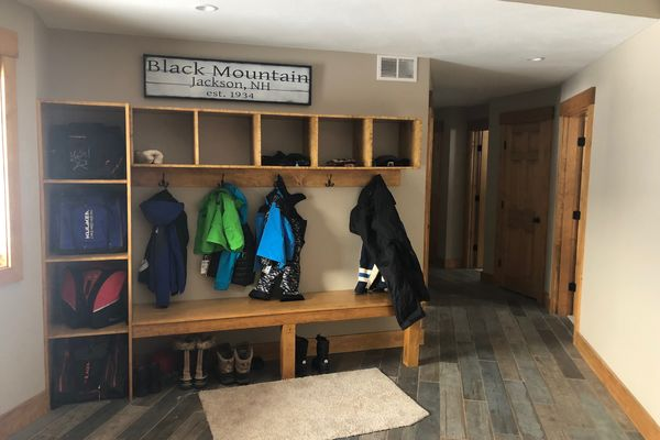 White-Mountain-Timber-Home-Canadian-Timberframes-New-Hampshire-Completed-Mudroom