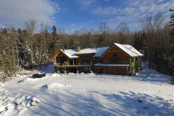 White-Mountain-Timber-Home-Canadian-Timberframes-New-Hampshire-Completed-Exterior