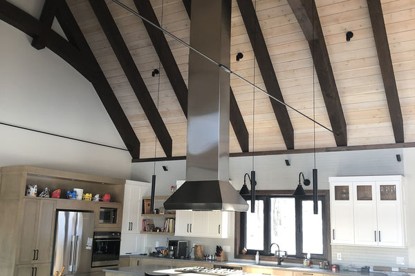 Bromont-Timber-Frame-Home-Quebec-Canadian-Timberframes-Completed-Interior-Dining