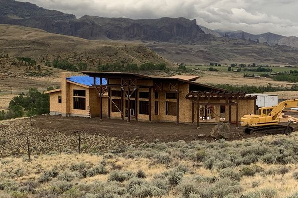 Cody-Wyoming-Canadian-Timberframes-Construction-Exterior