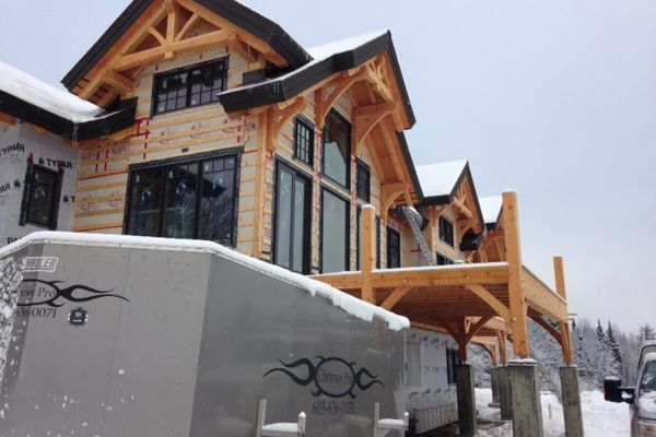 Bear-Rock-Colebrook-New-Hampshire-Canadian-Timberframes-Construction-Wall-Panels