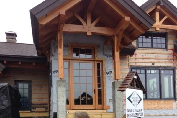Bear-Rock-Colebrook-New-Hampshire-Canadian-Timberframes-Construction-Covered-Entrance