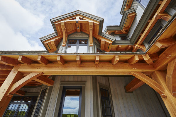 Hill-Top-Retreat-Collingwood-Ontario-Canadian-Timberframes-Siding-Timber