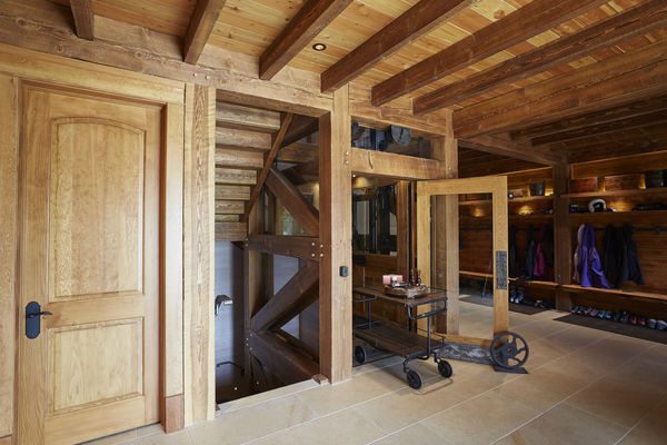 Hill-Top-Retreat-Collingwood-Ontario-Canadian-Timberframes-Mud-Room-Timber